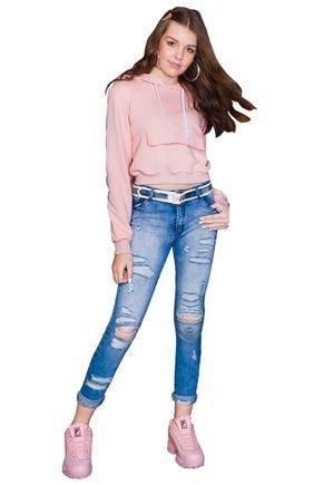 calca jeans e blusa fruto